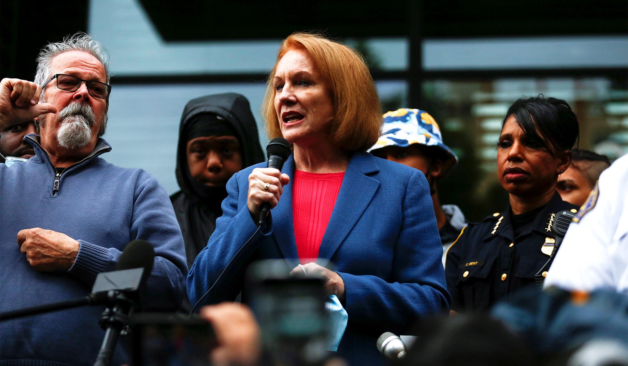 Seattle Mayor Proposes Rebuilding Depleted Police Force after Violent Weekend