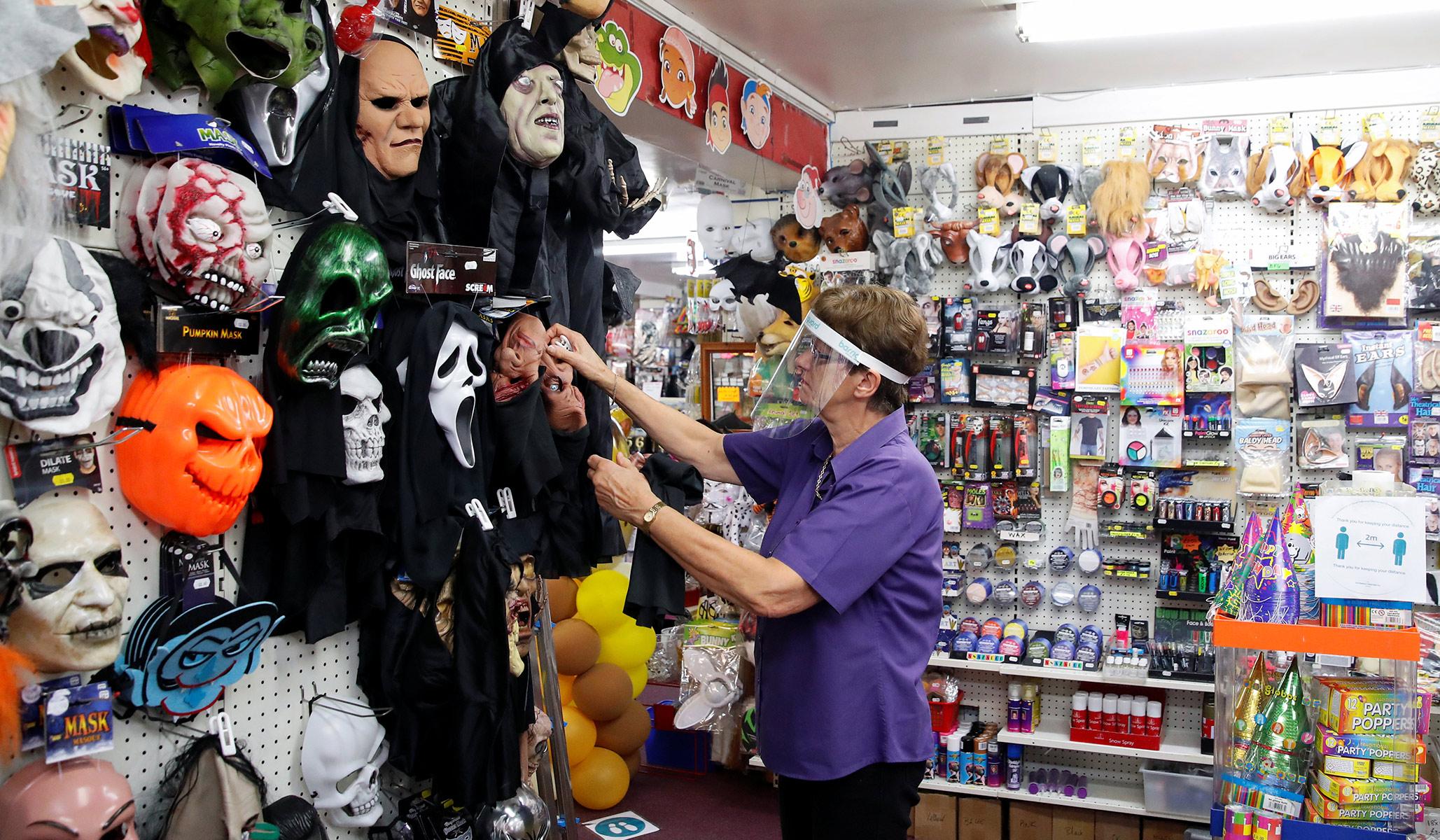 Supply Chain Disruptions Haunt Halloween Stores