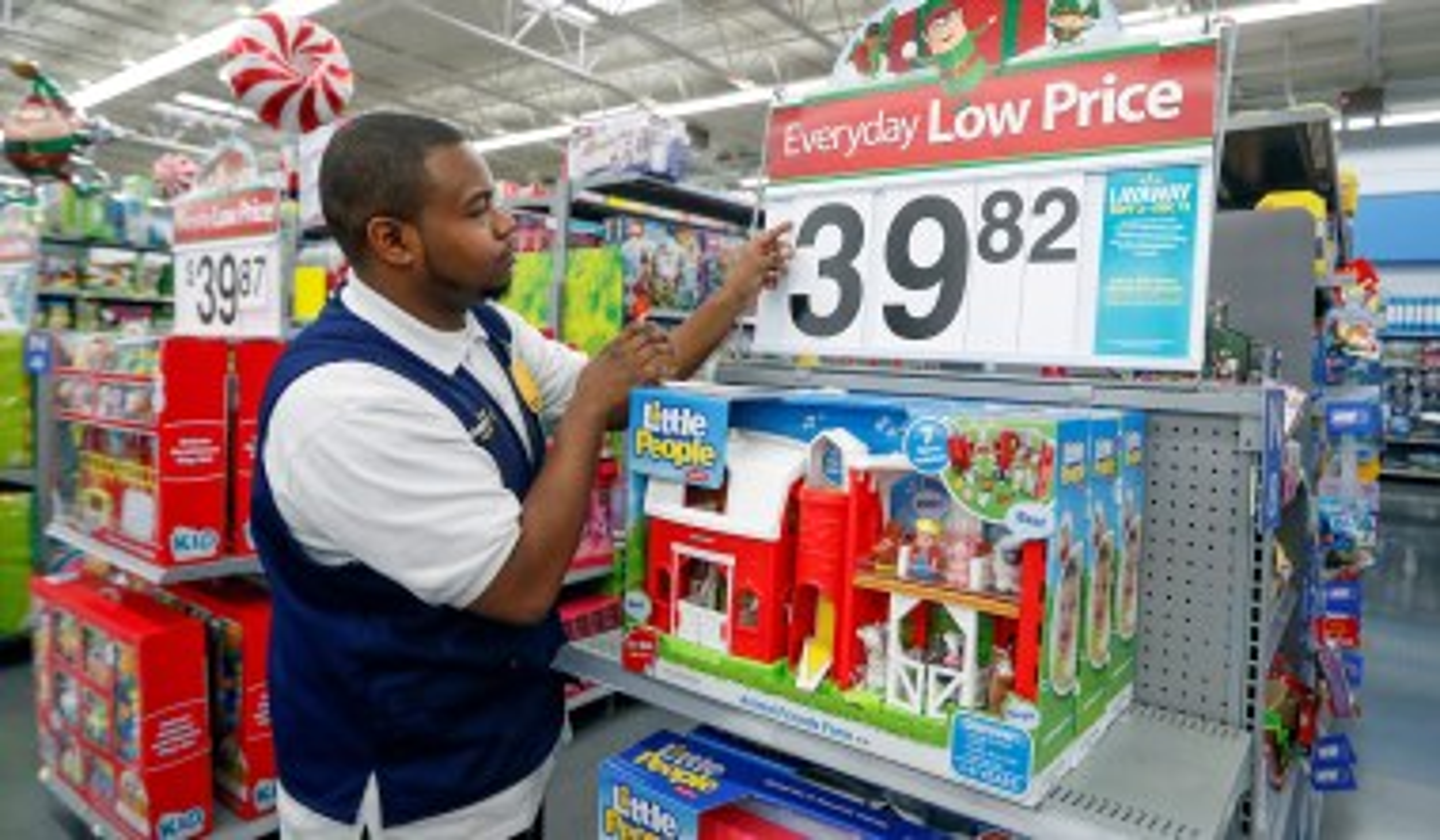Walmart and Disney Impose Vaccination Mandates on Employees