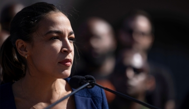 AOC Lashes Out at Fellow Dems over Inaction on Eviction Moratorium: 'Cowards'