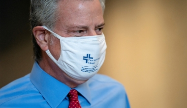 De Blasio Urges New Yorkers to Mask Indoors But Stops Short of Reviving Mandate