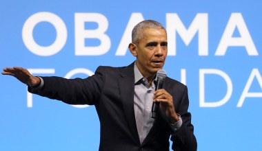 Obama Campaigns alongside McAuliffe in Final Stretch of Virginia Governor Race