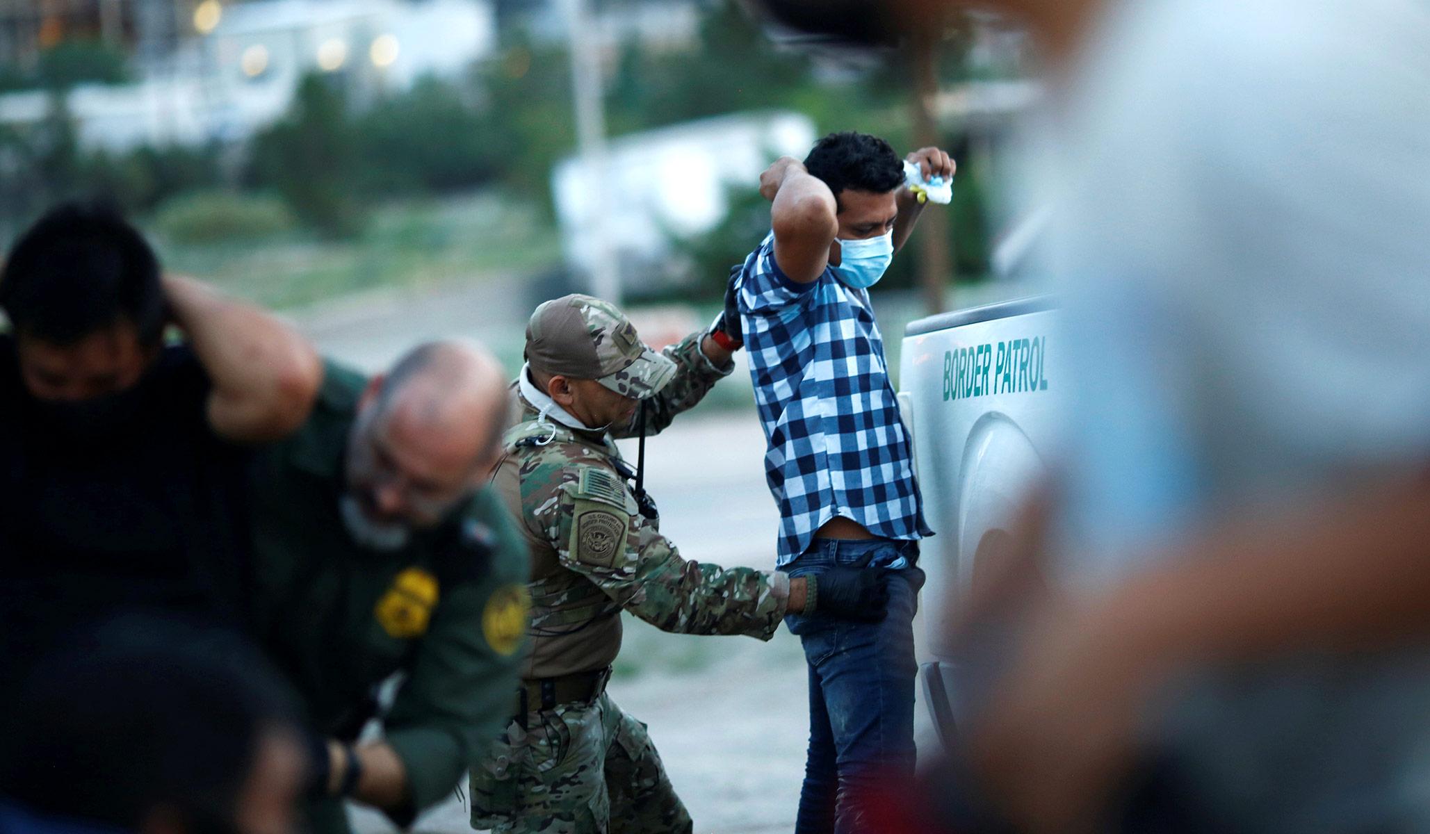 Biden Admin Renews Title 42 Expulsions for Migrants