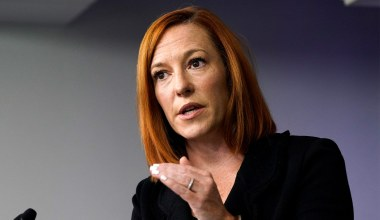 Psaki on Why Migrants Can Enter U.S. But Unvaccinated Foreign Nationals Can't: 'Not the Same Thing'