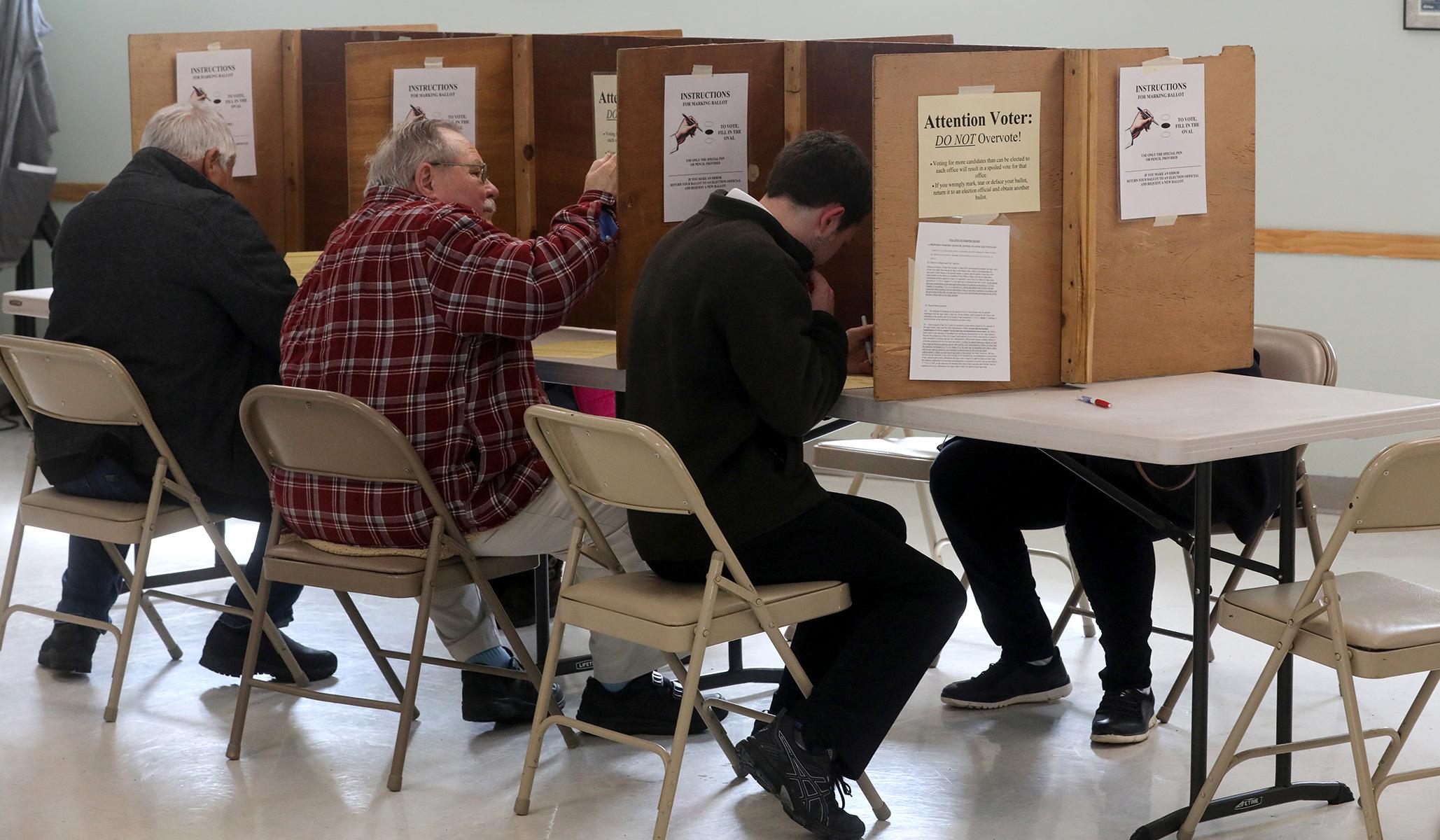 Pemilihan Kota: RNC Menuntut Kota Vermont yang Mengizinkan Bukan Warga Negara untuk Memilih