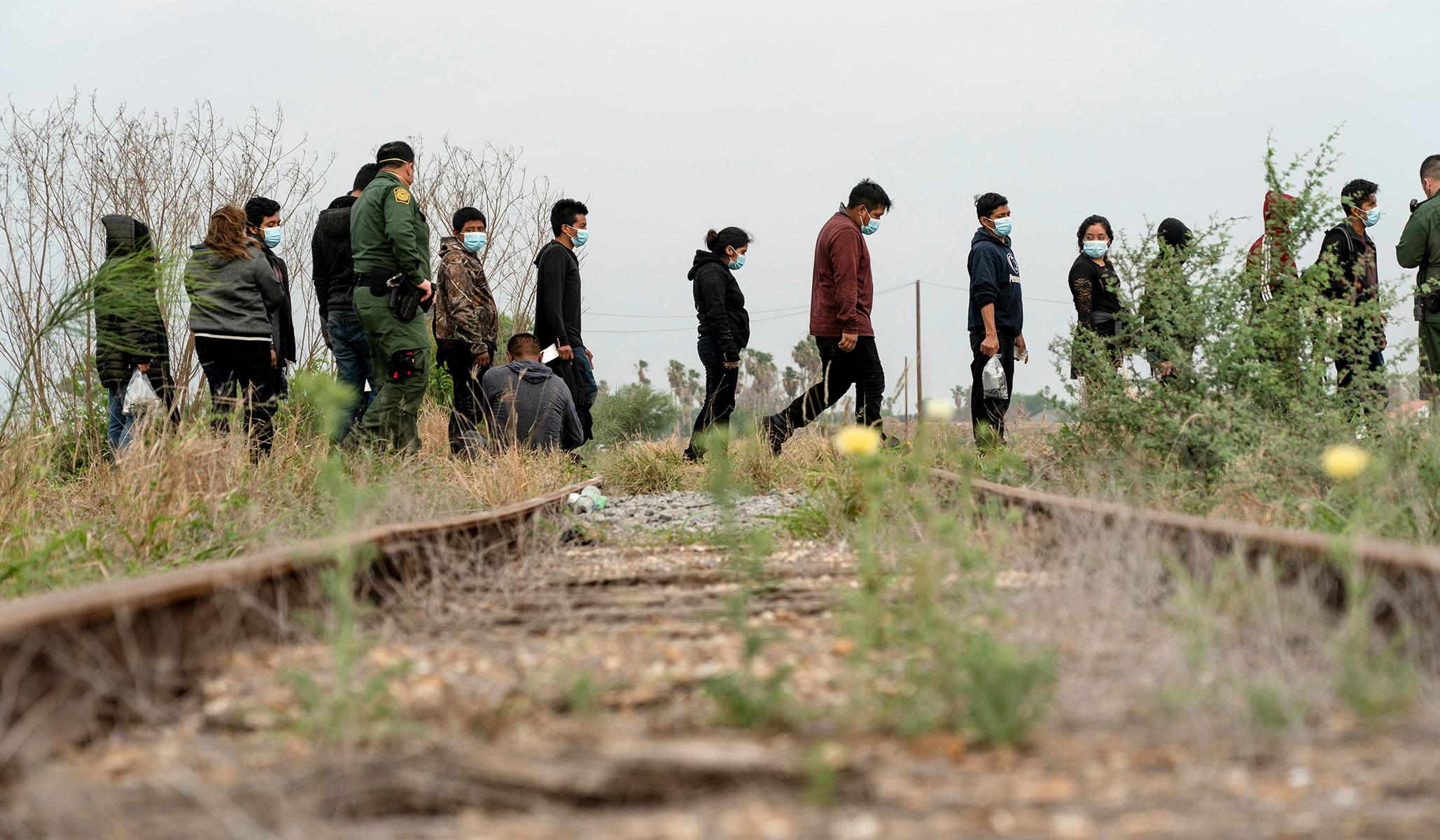 Kebijakan Imigrasi: Amnesti Tidak Adil bagi Imigran Legal