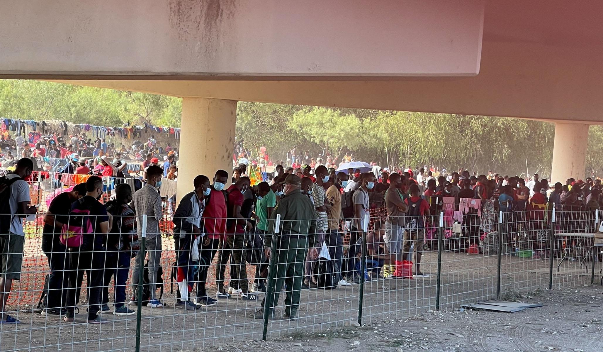 Texas Mayor Urges Biden to Address Massive Migrant Camp Forming under Local Bridge
