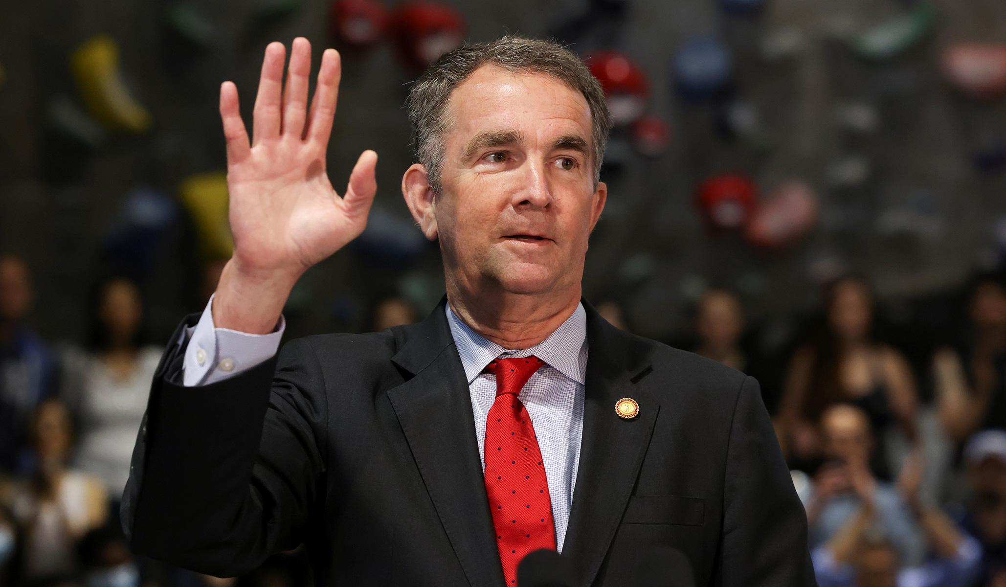 Demokrat Virginia Memilih untuk Mengizinkan Sekolah Menahan Diri dari Melaporkan Baterai Seksual pada tahun 2020
