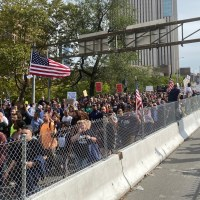 NYC Workers Converge on Brooklyn Bridge to Protest 'Medical Tyranny' of City's Vaccine Mandate